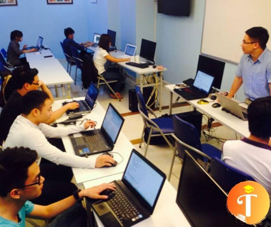 lớp học đào tạo lập trình tại trung tâm đào tạo toidayhoc